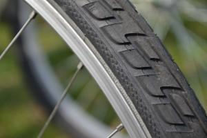 tire-415750_1280